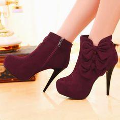 Women's Fashion High Heels : Elegant Bow Embellished Stiletto Heel Fashion Boots Pretty Shoes, Beautiful Shoes, Cute Shoes, Me Too Shoes, Beautiful Women, Heeled Boots, Bootie Boots, Shoe Boots, Shoes Heels