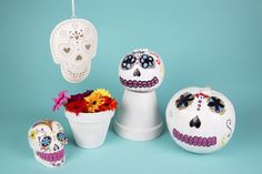 Turn your pumpkins into Day of the dead for Halloween!