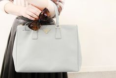 Miss Zeit - Prada bag