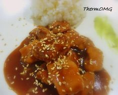 Teriyaki Chicken: I will need to convert the measurements. I'm not sure if corn flour is cornstarch, but the recipe looks great. soy sauce sugar sake or white wine mirin water 1 tbsp corn flour 2 garlic cloves ginger chicken thighs diced Bellini Recipe, Sweet Chilli Sauce, Teriyaki Chicken, Main Meals, Food Print, The Best, Chicken Recipes, Yummy Food, Tasty