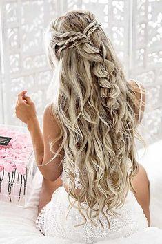 Half up half down hairstyles Bridesmaid hair medium length half up simple 29 - www. 37 beautiful half up half down hairstyles for the modern bride Down Hairstyles For Long Hair, Braids For Short Hair, Trendy Hairstyles, Half Up Half Down Hairstyles, Hairstyles 2018, Curly Hairstyles, Bridal Hairstyles, Hairstyle Wedding, Gorgeous Hairstyles
