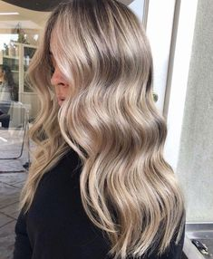 Golden Blonde Balayage for Straight Hair - Honey Blonde Hair Inspiration - The Trending Hairstyle Blonde Hair Looks, Honey Blonde Hair, Blonde Hair With Highlights, Champagne Blonde Hair, Bronde Hair, Balayage Hair Blonde, Blonde Hair Dyes, Neutral Blonde Hair, Honey Balayage