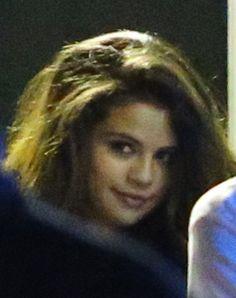 Selena Gomez Visits Justin Bieber At The Studio in Miami, Fla. (April 8) — Selena Gomez Fansite