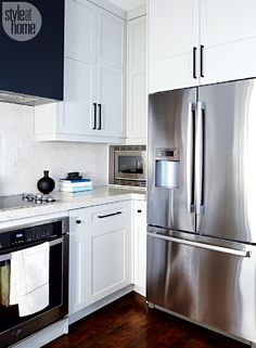 Kitchen renovation: Fresh and functional Exchange ideas and find inspiration on interior decor and design tips, home organization ideas, decorating on a budget, decor trends, and more. Kitchen Corner, Diy Kitchen, Kitchen Decor, Kitchen Design, Kitchen Ideas, Cupboard Design, New Kitchen Cabinets, Built In Cabinets, Kitchen Cupboard