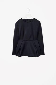 folded waist top