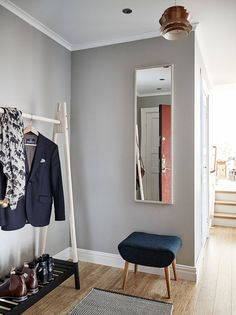 Best Home Decorating Websites Interior Design Courses Online, Interior Design Website, Small Hall, Closet Remodel, Scandinavian Interior Design, Home Goods, Minimalist, Design Websites, Decorating Websites