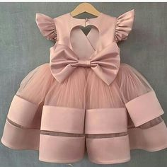Girls Frock Design, Kids Frocks Design, Baby Frocks Designs, Baby Dress Design, Baby Girl Frocks, Baby Girl Party Dresses, Dresses Kids Girl, Kids Outfits, Kids Dress Wear