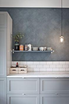 5 Outstanding ideas: Cozy Minimalist Home Loft minimalist interior simple spaces.Minimalist Kitchen Design Farmhouse Sinks rustic minimalist home storage.Rustic Minimalist Home Decor. Kitchen Interior, New Kitchen, Kitchen Decor, Kitchen Grey, Kitchen Paint, Minimal Kitchen, Kitchen Tiles, Minimalist Kitchen Backsplash, Kitchen Shades