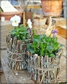 Good Images square garden planters Thoughts Growing pots, tubs, along with fifty percent drums filled with roses create charm to any backyard garden, neve. Diy Garden Decor, Garden Crafts, Garden Projects, Garden Decorations, Diy Projects, Container Plants, Container Gardening, Gardening Vegetables, Hydroponic Gardening