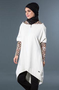 Tesettür giyim markası, tesettür eşofman modelleri, ekru leopar desenli ikili takım. İslamicsportswear,hijabstyle