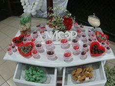 mesa de doces do noivado de D&D