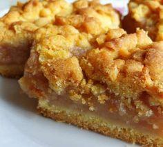 Apple Cake Recipes, Baking Recipes, Dessert Recipes, Desserts, Apple Crumble Receta, Homemade Pastries, Norwegian Food, Deli Food, Breakfast Casserole Easy