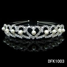 1.47$  Buy here - http://aliqm3.shopchina.info/go.php?t=32785092480 - Lovely Girls Crown Pearl Headband Princess Crystal Pearl Crown Hairband Wedding Bridal Flower Kids Hair Accessories  #aliexpressideas
