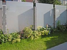 sicht von der stra enseite wpc sichtschutz zaun gates fences doors pinterest terrasses. Black Bedroom Furniture Sets. Home Design Ideas