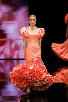 SIMOF 2019: El desfile de Ernesto Sillero, en fotos (Juan Flores / J.M. Serrano) Formal Dresses, Lace, Clothing, Accessories, Fashion, Flamenco Dresses, Bell Sleeves, Full Sleeves, Street Fashion