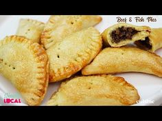 These Trini beef & fish pies are the perfect recipe that'll keep the kids busy for the carnival weekend or the ideal treat to take to a lime. Easy Pie Recipes, Snack Recipes, Cooking Recipes, Drink Recipes, No Calorie Snacks, Protein Snacks, High Protein, Pastry Dough Recipe, Clean Eating Desserts