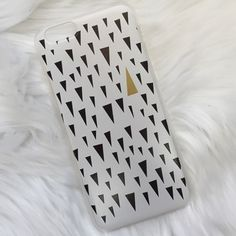 iPhone 6/6s Case Brand new! Super cute!  15% off of bundles! FEEL LIKE MAKING AN OFFER? Please do it through the make an offer feature as I will no longer negotiate prices in the comments section. PRICE IS FINAL ON ITEMS $15 or less unless bundled. Accessories Phone Cases