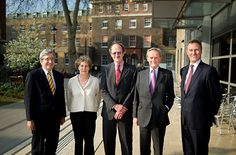 l-r: Professor Sir Rick Trainor, Penny Egan (Fulbright Commission), Dr Harold E Varmus (NCI), Lord Douro, Simon Lewis (Fulbright Commission). The lecture, held at King's Guy's Campus, was the second in this year's series of three to be held at universities in the UK, organized by the US-UK Fulbright Commission in association with the United States Embassy and Lois Roth Endowment. This theme of this year's Fulbright Series is international relations in science and medicine, with each lecture…
