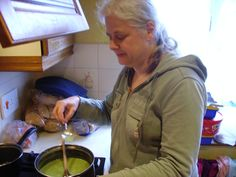 Me cooking Pea soup in my kitchen!    Cheats recipe using 2 tins mushy peas and adding 300-500ml stock made with vegetable stock pot depending on how thick you want the soup to be, liquidise, heat and serve! #imabzzagent #Knorr #Knorrstockpot