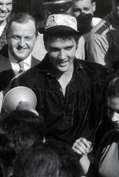 Tupelo, 1956 Elvis Today, Tupelo Mississippi, Elvis Presley Images, Free Shows, Young Elvis, Andrew Lincoln, John Lennon, Homecoming, Black And White