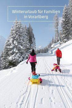 Familienurlaub in Vorarlberg heißt viel Abwechslung und beste Betreuung: Erste Skischwünge lernen, Ski fahren spielerisch perfektionieren, entdecken, experimentieren,  Ausflüge auf Bauernhöfe unternehmen und vieles mehr. #familie #familienurlaub #familiy #visitvorarlberg #myvorarlberg Skiing, Snow, Outdoor, Winter Vacations, Family Activity Holidays, Business, Road Trip Destinations, Explore, Ski