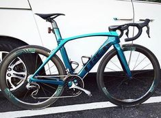 "42 curtidas, 1 comentários - CYCLING + ROAD BIKES (@pro_tour_cycling) no Instagram: ""Sharp Trek Madone 9 Photo Credit: Unknown - comment for tag #trek #trekbikes #ridetrek #enve…"""