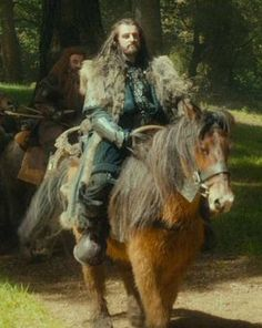 BEHOLD. -Fili <- Majestic Thorin on his majestic pony (I never knew those two words could go together!)