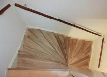 Traprenovatie; een bestaande  trap gerenoveerd met teak hout. > wortman meubelen Trap, Hand Fan, Home Appliances, Design, House Appliances, Kitchen Appliances, Hand Fans, Appliances, Fan