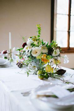 organic centerpiece http://weddingwonderland.it/2015/05/the-love-affair-workshop-ispirazioni.html