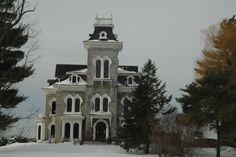 Shard Villa  Salisbury, Vermont - Still scared from the stories Kellie has told me!!!
