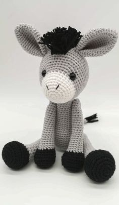 For Beginners Doll Free and Amazing and Useful Crochet Amigurumi Pattern Ideas for Winter Part 13 ; amigurumi for beginners; amigurumi for beginners; Doll Amigurumi Free Pattern, Crochet Patterns Amigurumi, Amigurumi Doll, Crochet Disney, Knitted Dolls, Crochet Projects, Crochet Ideas, Stuffed Animal Patterns, Crochet Animals