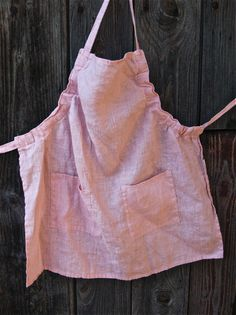 "Linen Day: Linen apron ""Like mother, like daughter""."