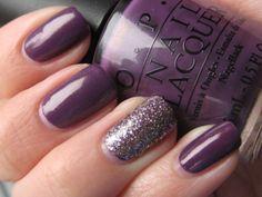 Beautylish Beauty Angie B.rocks a glittery accent nail!