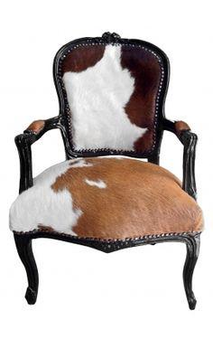 Fauteuil baroque de style Louis XV vrai peau de vache marron et bois noir