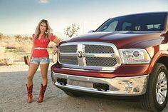 """Miranda Lamberts """"little red wagon"""" photo!"""