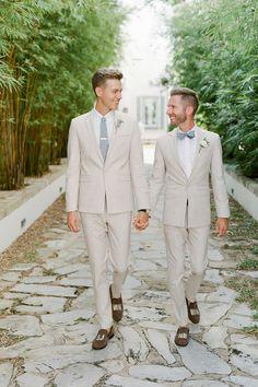 A Chic, Intimate Wedding Weekend in Alys Beach, Florida Groomsmen Fashion, Groom And Groomsmen Style, Groomsmen Grey, Be My Groomsman, Groom Style, Linen Wedding Suit, Linen Suit, Wedding Linens, Wedding Suits
