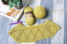 """Crochet Blusas Puloverul meu prețios - """"My Precious"""" Sweater ByKaterina Crochet Pattern for sizes from Small to Large with chart and video tuttorial. Crochet Mittens, Crochet Baby, Free Crochet, Knit Crochet, Crochet Pattern, Black Crochet Dress, Crochet Blouse, Free Knitting, Knitting Patterns"""