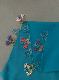 Bordado Filet Crochet, Knit Crochet, Tatting, Knit Shoes, Needle Lace, Sweater Design, Knitted Shawls, Baby Knitting Patterns, Knitting Socks