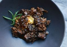 Slow Cooker Recipe: Peppered Beef Shank in Red Wine. I'm sure this recipe will work with any stewing meat.