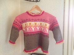 For the princess. Christmas Sweaters, Homemade, Princess, Knitting, Fashion, Moda, Home Made, Tricot, Fashion Styles