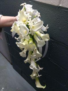 White Bouquets, Bridal Bouquets, Nice Heels, Flower Decorations, Floral Arrangements, Florals, Wedding Flowers, Floral Design, Celebration