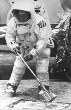 Astronaut Neil Armstrong, practising for the moonlanding Apollo 11 Neil Armstrong, Apollo Space Program, Nasa Space Program, Nasa Space Center, Project Mercury, Buzz Aldrin, Astronauts In Space, Man On The Moon, Apollo 11