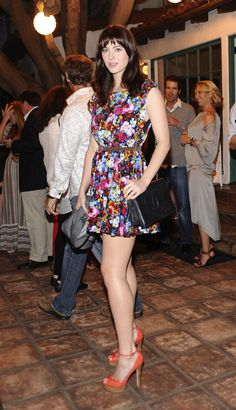 Mary Elizabeth Winstead She's Gorgeous Simply love Her 💖💖💖💖💖💖💖💖💖💖💖💖💖💖💖💖 Mary Elizabeth Winstead, Beautiful Celebrities, Beautiful Actresses, Beautiful Legs, Gorgeous Women, Gq, Nice Dresses, Flower Dresses, Jessica Biel