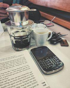 """#inst10 #ReGram @hungvkopskiz: #coffee #blackberry #books #book #sunday #dayoff #rainyday . . . . . . (B) BlackBerry KEYᴼᴺᴱ Unlocked Phone """"http://amzn.to/2qEZUzV""""(B) (y) 70% Off More BlackBerry: """"http://BlackBerryClubs.com/p/""""(y) ...... #BlackBerryClubs #BlackBerryPhotos #BBer ....... #OldBlackBerry #NewBlackBerry ....... #BlackBerryMobile #BBMobile #BBMobileUS #BBMobileCA ....... #RIM #QWERTY #Keyboard .......  70% Off More BlackBerry: """" http://ift.tt/2otBzeO """"  .......  #Hashtag """"…"""