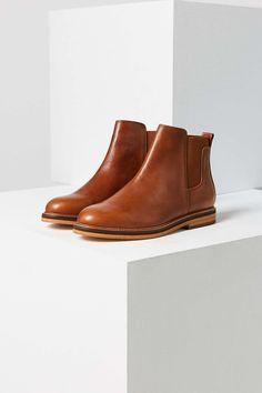 Kelsi Dagger Brooklyn Darcey Chelsea Boot - Urban Outfitters