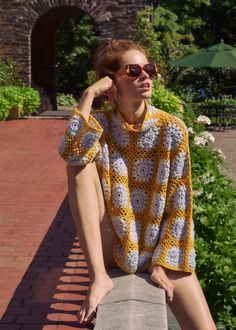 SS 19 Discover the SS Hand Knit Collection of Cashmere Cotton and Silk Blends. Crochet Granny, Diy Crochet, Hand Crochet, Simple Crochet, Crochet Tops, Mode Gipsy, Crochet Designs, Crochet Patterns, Sewing Patterns