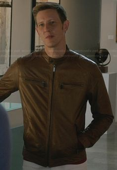 Nolan's tan leather jacket with zip pockets on Revenge.  Outfit Details: http://wornontv.net/25783/ #Revenge