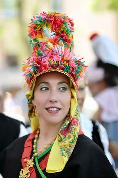 Duduá: La gorra de Montehermoso, el folklore más kitsch