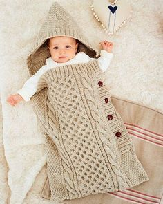 Knit baby sleeping bag and knitted baby blankets. Baby sleeping bag patterns and crochet baby sleeping bag lesson. How to knit baby sleeping bag, knit sleeping bag patterns Baby Knitting Patterns, Baby Patterns, Crochet Patterns, Crochet Baby Cocoon, Knit Crochet, Crochet Hats, Knitted Baby, Baby Cocoon Pattern, Crochet Frog