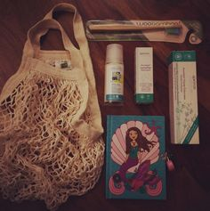 Perfect gift set: Eco bags + woobamboo + natural deodorant by Logona, toothpaste by Apeiron + diary (mudpuppy)